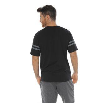 Camiseta-Cuello-Redondo-estampado-en-frente-negro-para-hombre